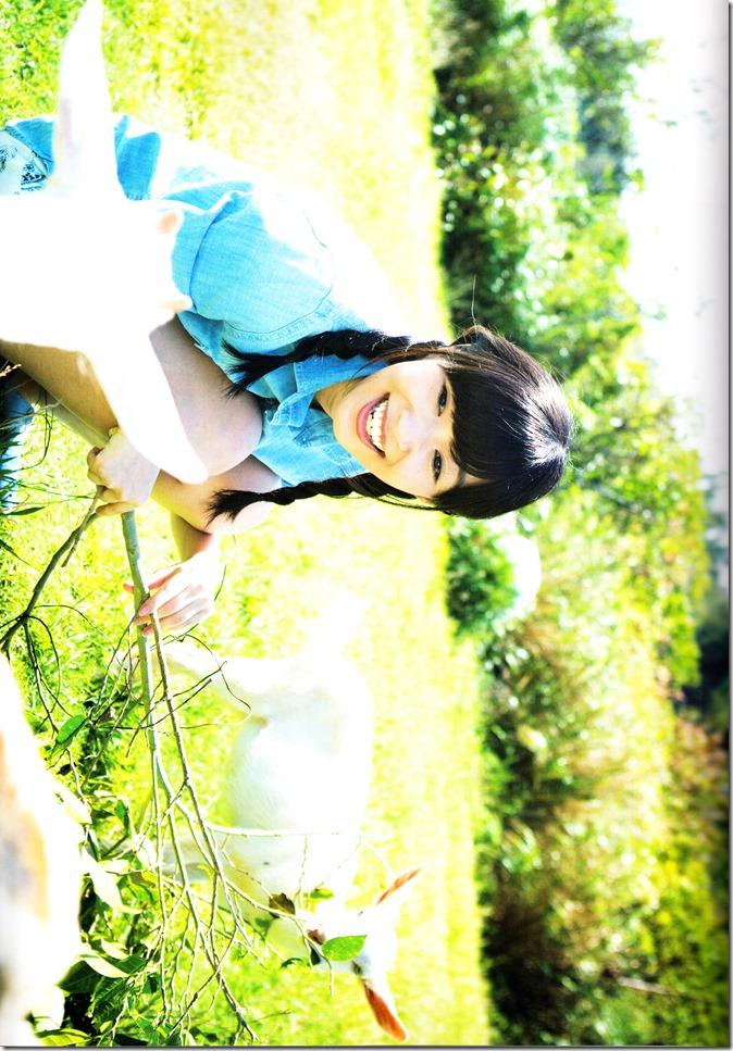 Sashihara Rino First Shashinshuu Neko ni maketa (68)