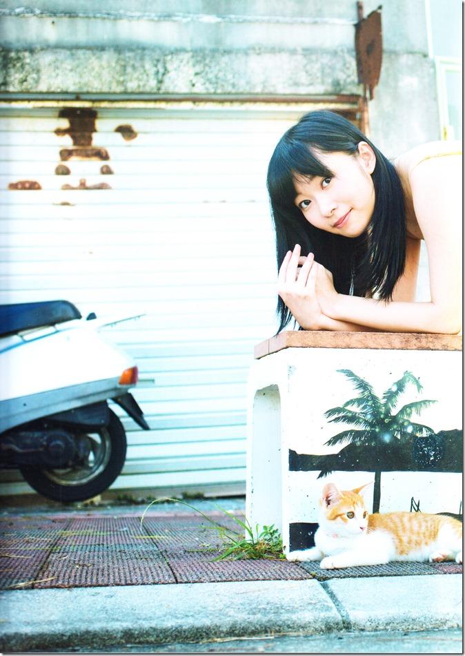 Sashihara Rino First Shashinshuu Neko ni maketa (6)