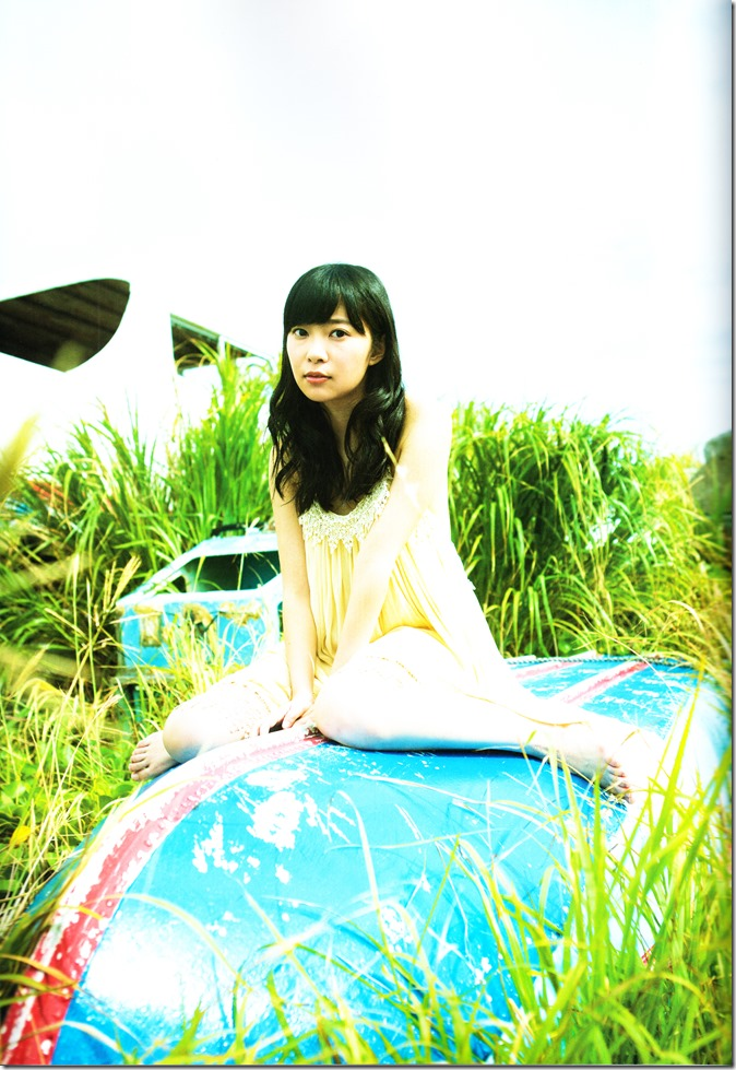 Sashihara Rino First Shashinshuu Neko ni maketa (85)