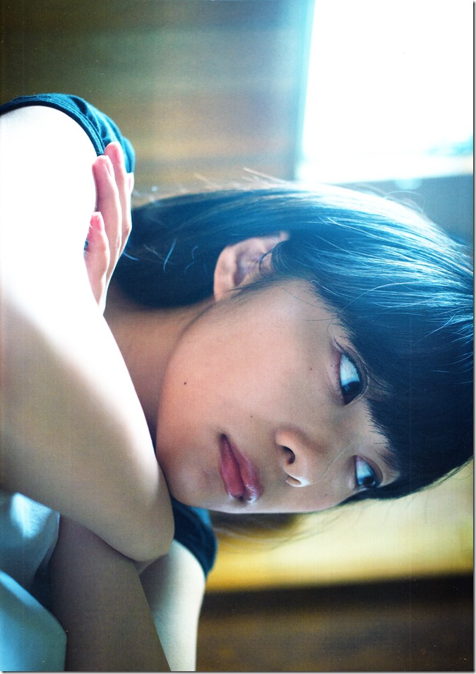Sashihara Rino First Shashinshuu Neko ni maketa (9)