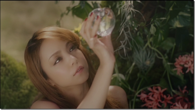 Amuro Namie in Neonlight Lipstick (11)