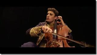 Hot cellists (8)