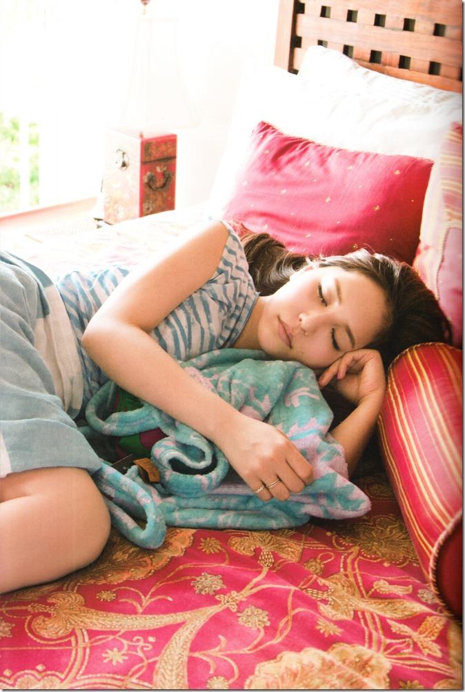 Kasai Tomomi Yaketa shashinshuu (37)