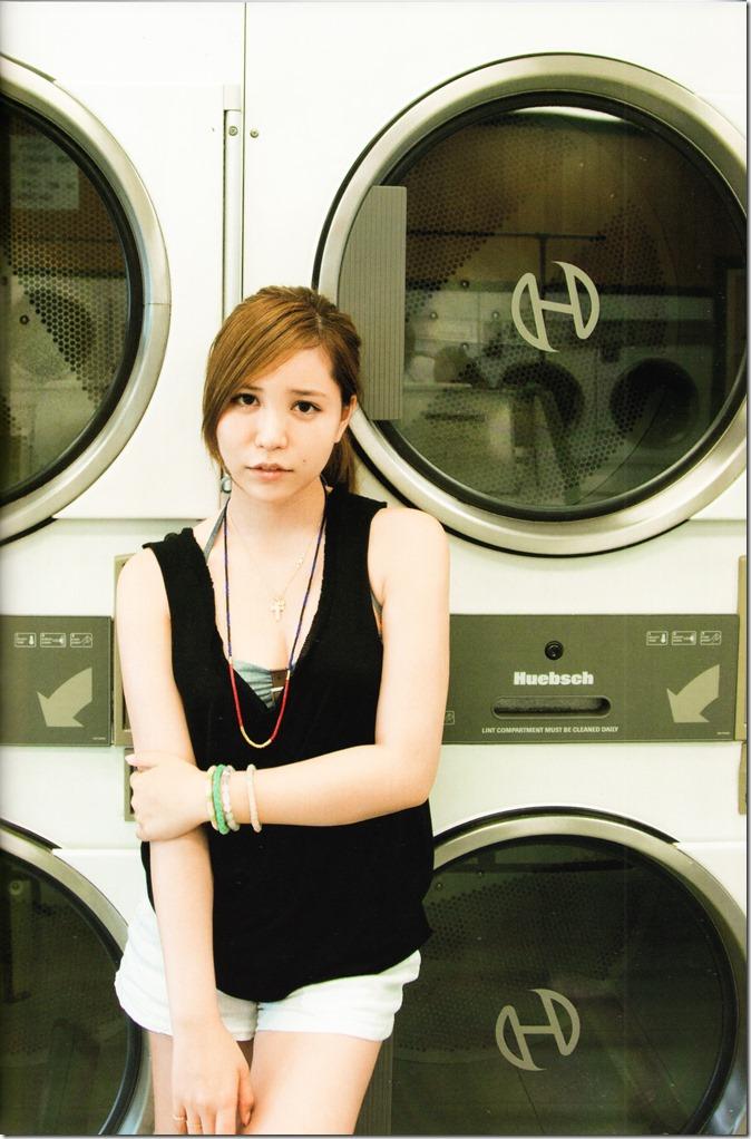 Kasai Tomomi Yaketa shashinshuu (61)