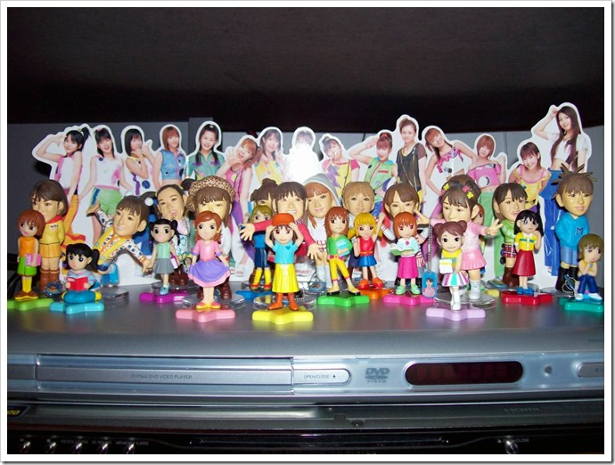 Morning Musume figures (2 sets)