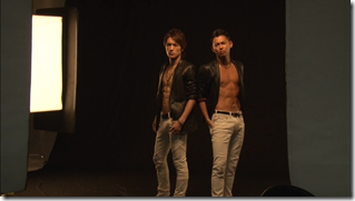 Tackey & Tsubasa in Dakinatsu jacket making of (25)