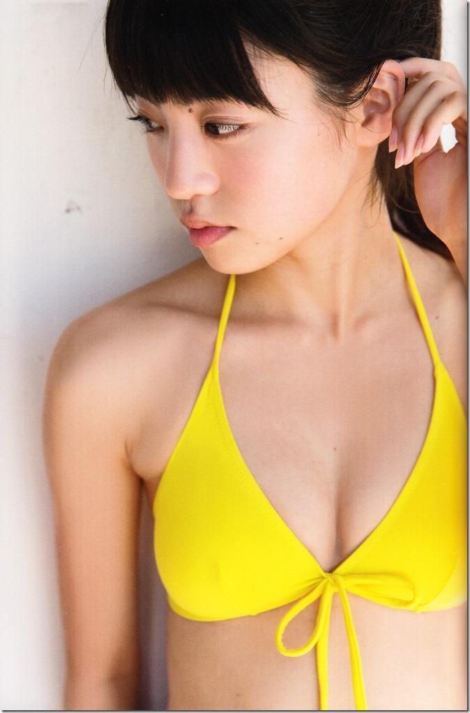 志田 友美ファーストソロ写真集 (55)