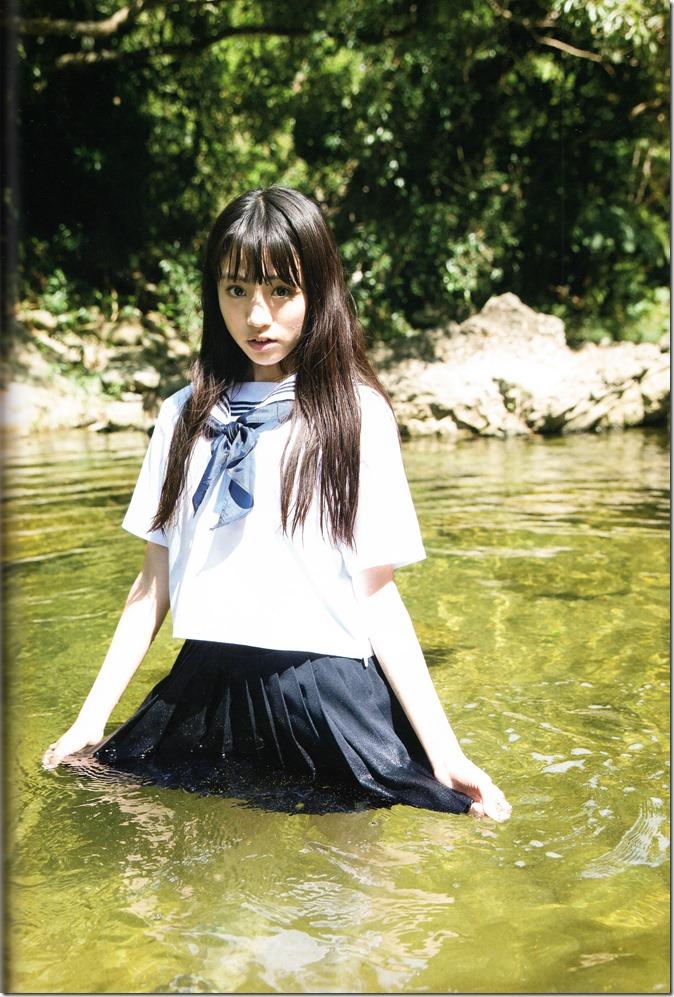 志田 友美ファーストソロ写真集 (92)