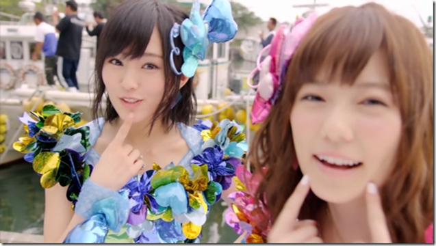 AKB48 in Kokoro no placard (8)