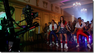 Itano Tomomi in COME PARTY! (making) (10)