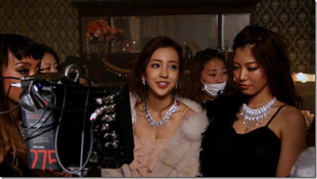 Itano Tomomi in COME PARTY! (making) (23)