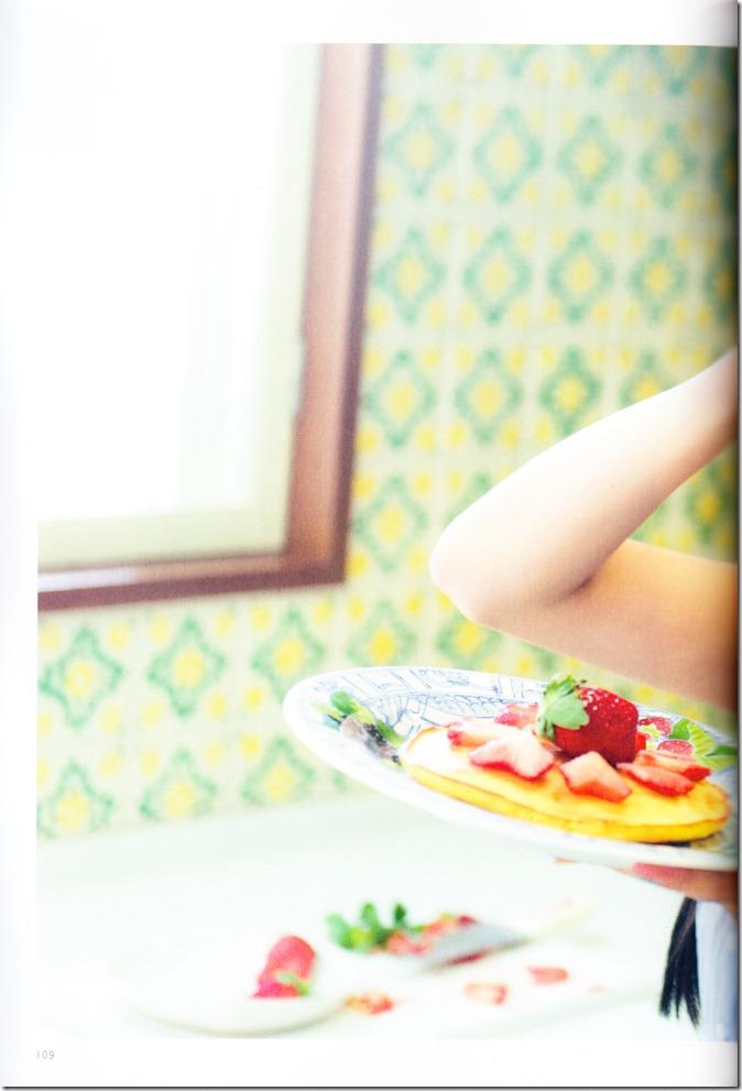 木崎ゆりあファースト写真集ぴーす (115)