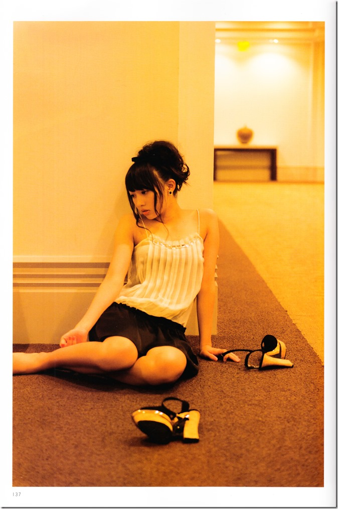 木崎ゆりあファースト写真集ぴーす (143)