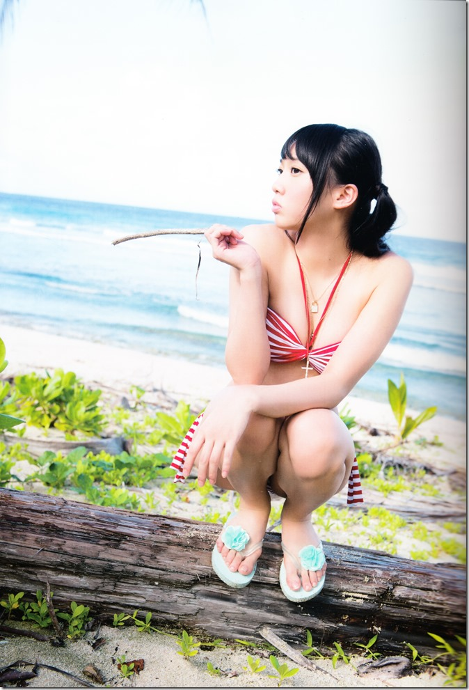 木崎ゆりあファースト写真集ぴーす (24)