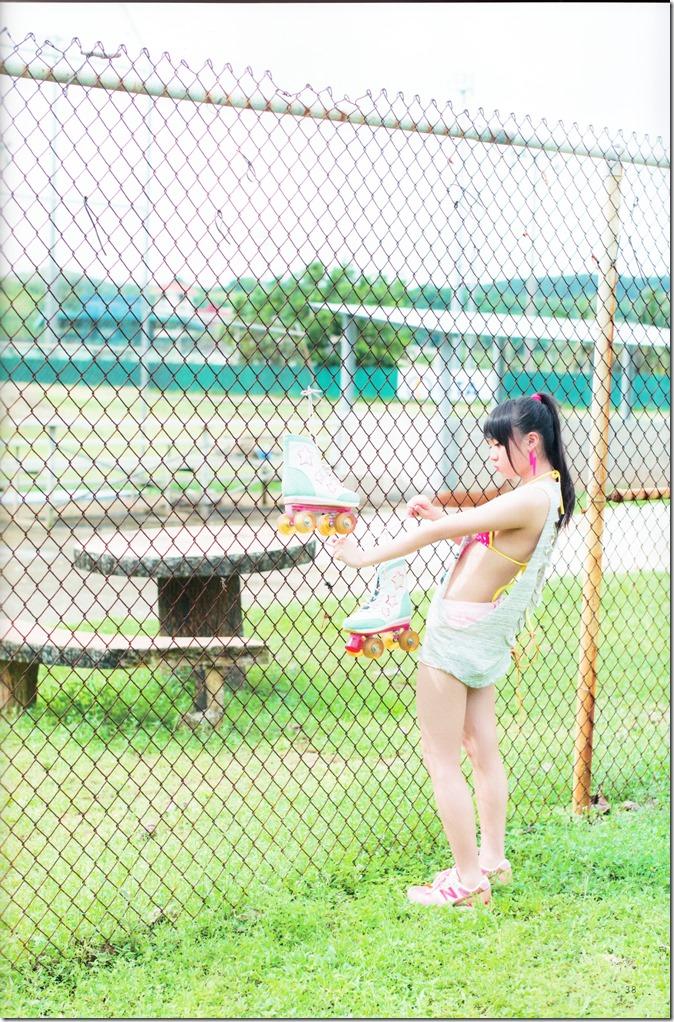 木崎ゆりあファースト写真集ぴーす (44)