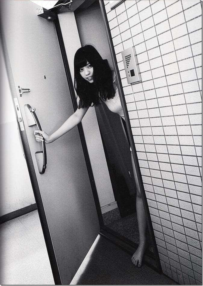 西野七瀬ファースト写真集普段着 (54)