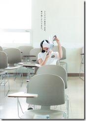 木崎ゆりあファースト写真集ぴーす (6)