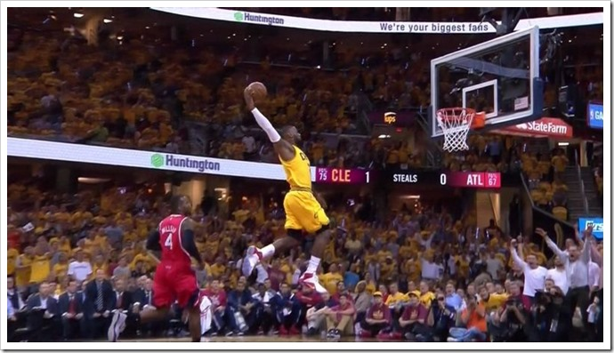 LeBron James dunk!!