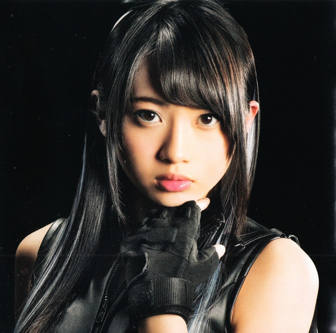 AKB48 in Bokutachi wa tatakawanai (18)