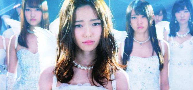 AKB48 in Bokutachi wa tatakawanai (21)