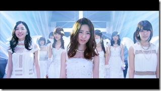 AKB48 in Bokutachi wa tatakawanai (41)