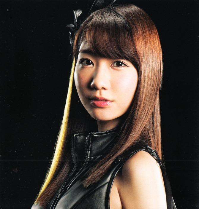 AKB48 in Bokutachi wa tatakawanai (4)