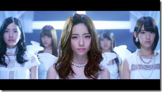 AKB48 in Bokutachi wa tatakawanai (57)