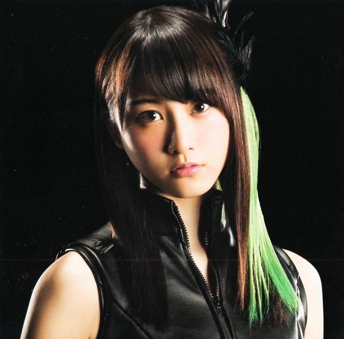 AKB48 in Bokutachi wa tatakawanai (5)