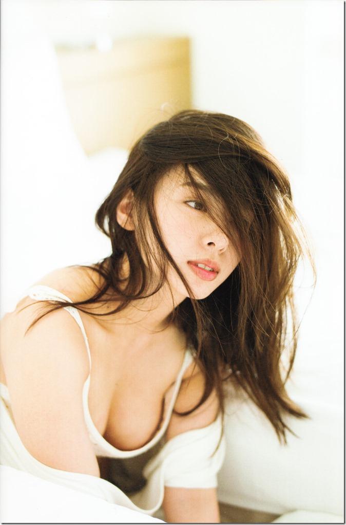 Yamada Nana sotsugyou memorial photo book 4 3=7 shashinshuu (21)