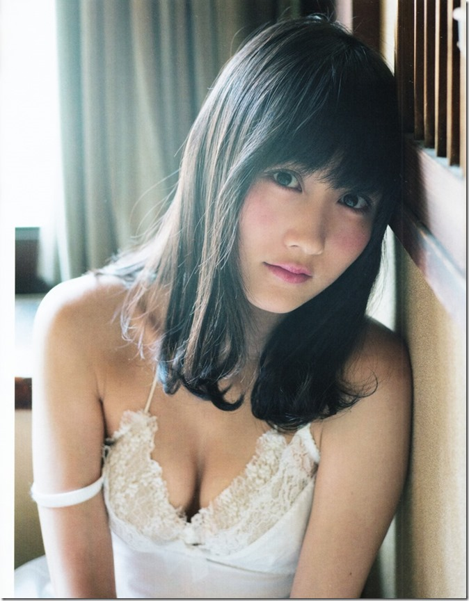 BUBKA July 2015 issue featuring covergirl Miyawaki Sakura (26)