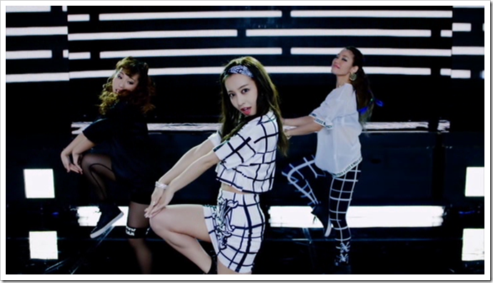 Itano Tomomi in Gimme Gimme Luv.. (40)