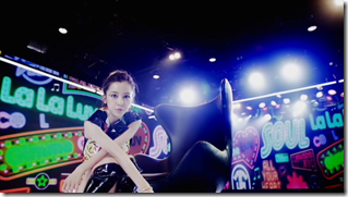 Itano Tomomi in Gimme Gimme Luv.. (80)