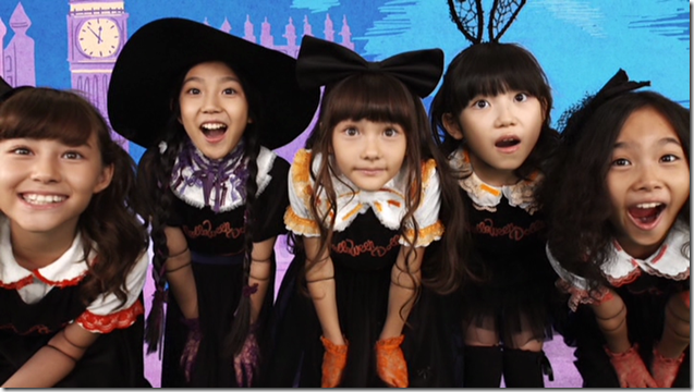 Halloween Dolls in Halloween Party (mv) (14)