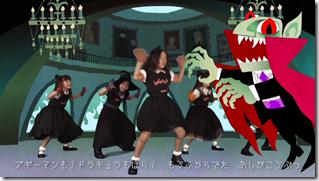 Halloween Dolls in Halloween Party (mv) (20)