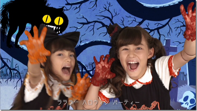 Halloween Dolls in Halloween Party (mv) (47)