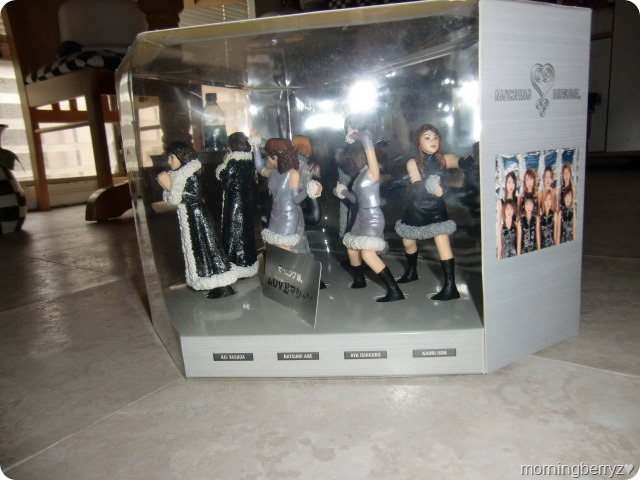 Morning Musume Love Machine commemorative figures & stage (10)