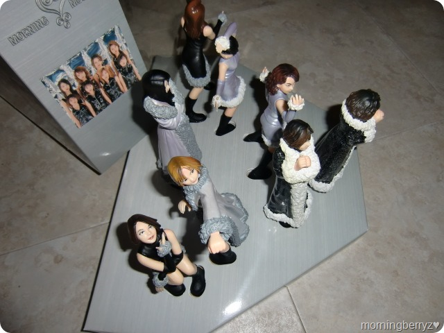 Morning Musume Love Machine commemorative figures & stage (4)