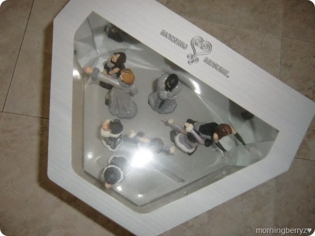 Morning Musume Love Machine commemorative figures & stage (6)