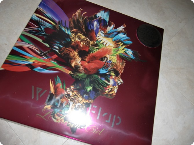 L'arc~en~ciel Wings Flap CD, Blu-ray & Photo book!