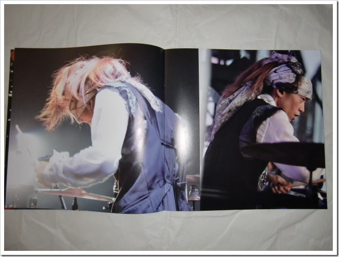 L'arc~en~ciel Wings Flap CD plus Bluray plus Book edition (10)