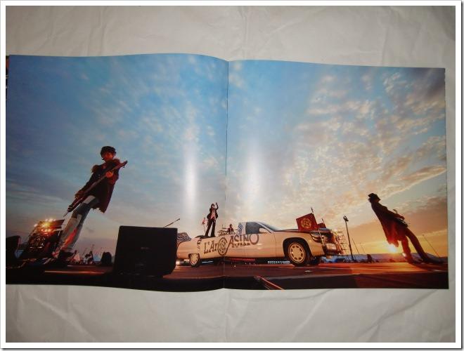 L'arc~en~ciel Wings Flap CD plus Bluray plus Book edition (11)