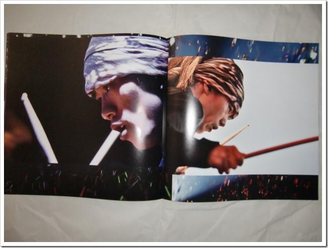 L'arc~en~ciel Wings Flap CD plus Bluray plus Book edition (16)