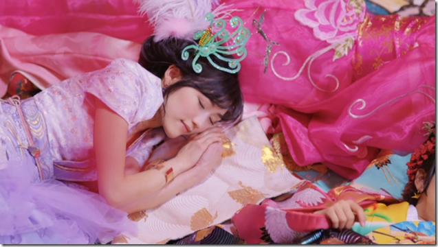 AKB48 in Kimi wa melody.. (2)