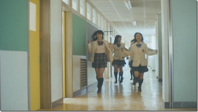 AKB48 Jisedai senbatsu in LA LA LA Message.. (5)