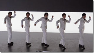 ARASHI in Ai wo sakebe making.. (11)