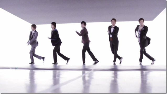 ARASHI in Ai wo sakebe making.. (12)