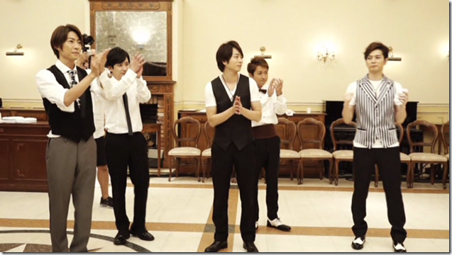 ARASHI in Ai wo sakebe making.. (14)