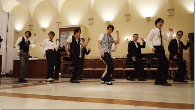 ARASHI in Ai wo sakebe making.. (1)