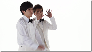 ARASHI in Ai wo sakebe making.. (9)