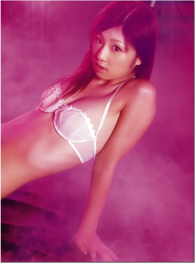 Ogura Yuko Encyclopedia of Yuko Ogura shashinshuu (48)